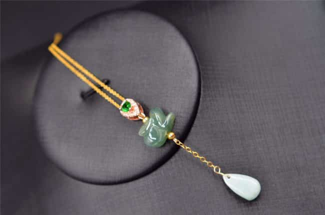 jade rabbit necklace
