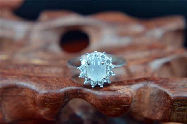 jadeite icy stone ring