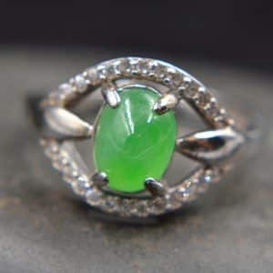 jadeite green stone ring