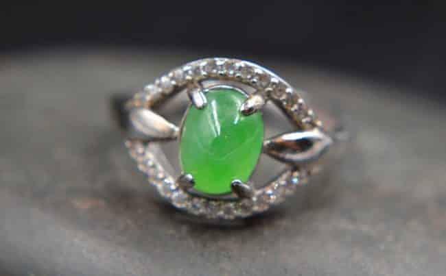 jadeite green stone ring