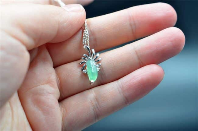 Helen Grade A Jade 100% untreated jadeite pendant silver925 green necklace