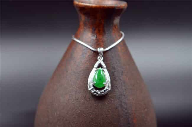 Jade teardrop pendant silver 925 bail