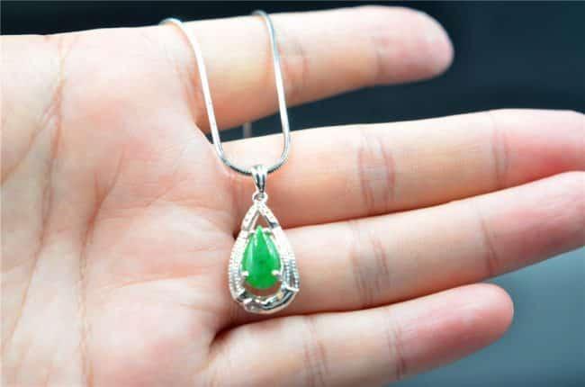 green natural jade silver 925 pendant