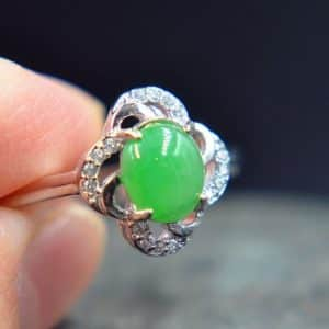 jade ring green