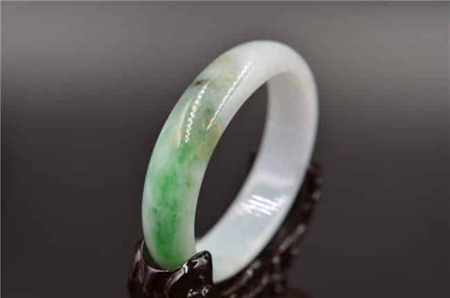 oval green jade bangle