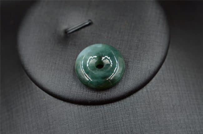 jade donuts pendant