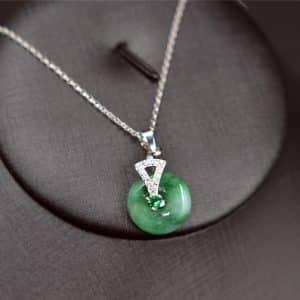 Burmese green gemstone jade donuts pendant necklace