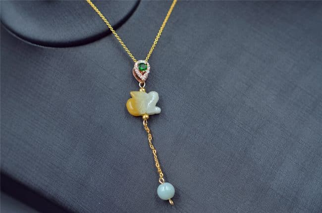 Jade animal rabbit necklace yellow jadeite