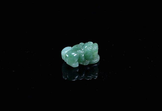 Green jadeite pendant pixiu statue natural jade necklace jewelry 10012009