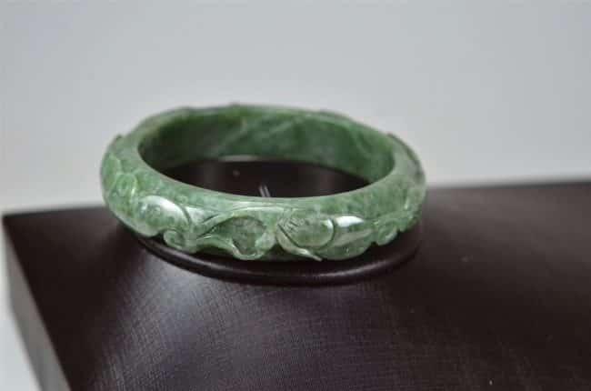 Helen Grade A Jade Carved Green Jadeite Old Jade Bangle with Ruyi 03072033 60mm 3072033