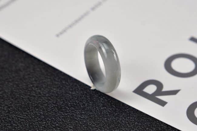 Helen Grade A Jade Jade rings stone band ring black 18.4 mm G16 G16